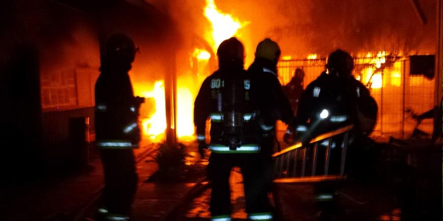 Jcr ingieneria e instalaciones electricas plasencia for Pinturas proteccion contra incendios